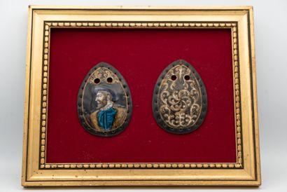 Deux plaques de bourse en émail peint polychrome...