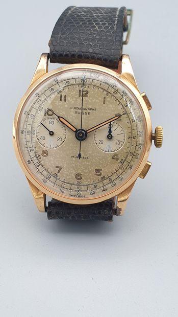 CHRONOGRAPHE Suisse vers 1940  Large chronographe...