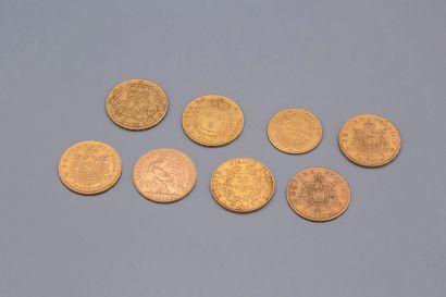 Ensemble de huit pièces d'or comprenant...
