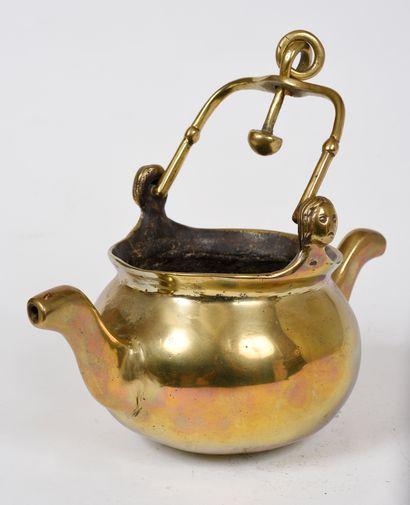 Puisette en bronze  Dans le style du XVe...