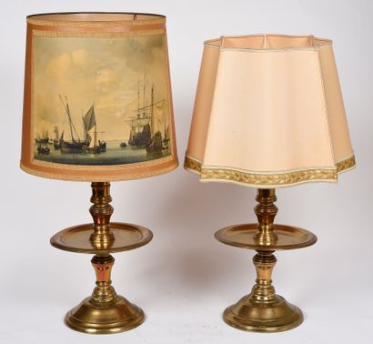 Paire de chandeliers en bronze, base circulaire...