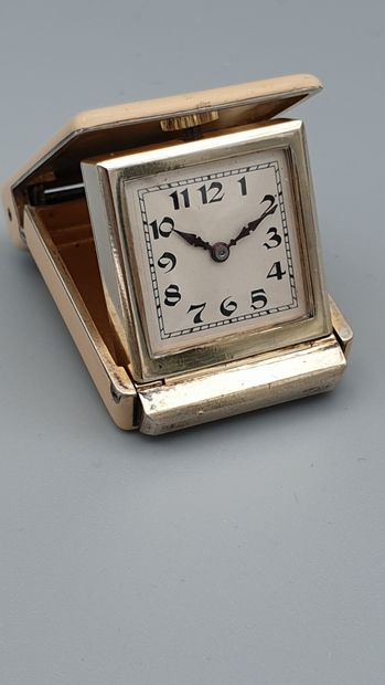 Petite montre de sac en vermeil et laque...