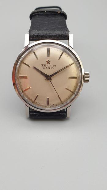 ZENITH 230 S, vers 1965.  Montre bracelet...