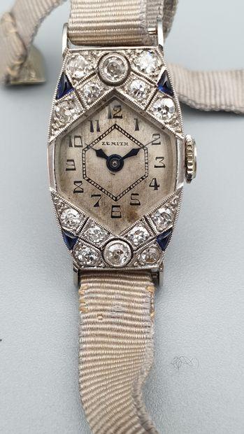 ZENITH, vers 1920  Elegante montre de dame...
