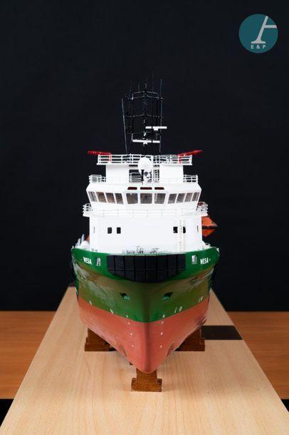 Maquette offshore Maquette du Wesa (offshore) sous vitrine en Plexiglas et support...