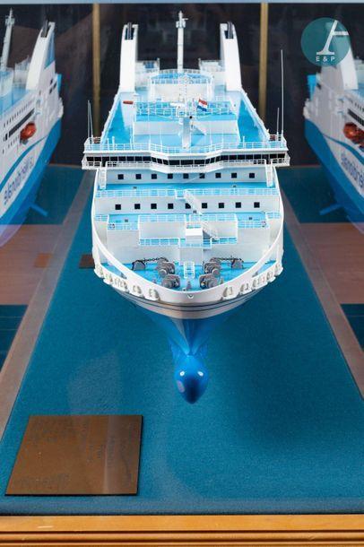 Maquette d'un ferry Maquette du Piana, ferry de la Méridionale. Navire RO-RO Passenger...