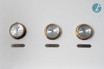 Lot de trois horloges