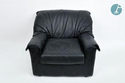 En provenance du siège de la Région Île-de-France Deux fauteuils confortables en...