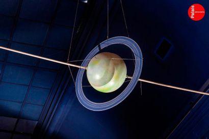 En provenance du Palais de la Découverte Maquette d'Uranus. Polystyrène polychrome....