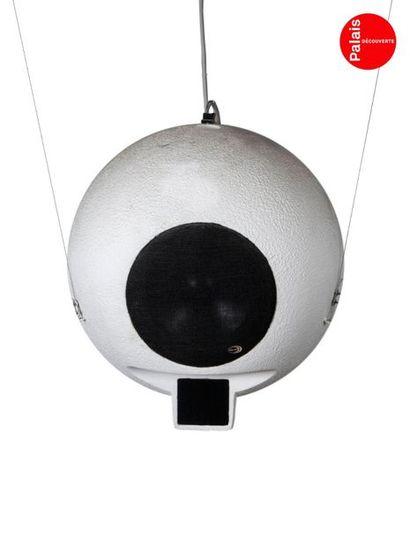 En provenance du Palais de la Découverte Set composed of two ELIPSON ball speakers,...