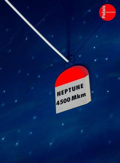 En provenance du Palais de la Découverte Maquette de Neptune. Polystyrène polychrome....