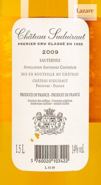 CHÂTEAU SUDUIRAUT, Sauternes. PREMIER CRU CLASSÉ EN 1855. Original wooden case composed...