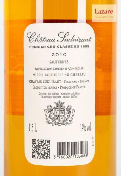 CHÂTEAU SUDUIRAUT, Sauternes. PREMIER CRU CLASSÉ EN 1855. Caisse en bois d'origine...