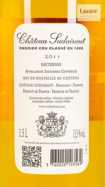 CHÂTEAU SUDUIRAUT, Sauternes. PREMIER CRU CLASSÉ EN 1855. Original wooden case made...