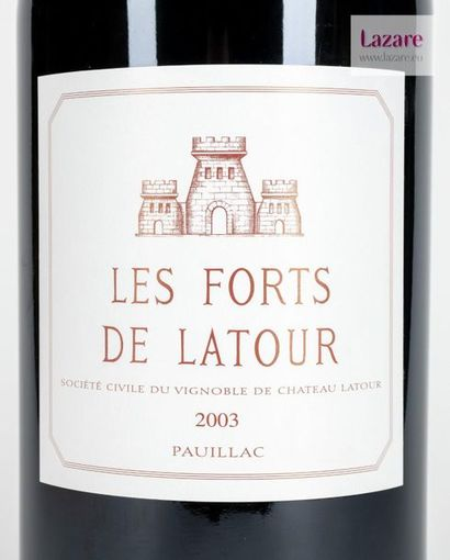 LES FORTS DE LATOUR, Pauillac. 2ème Vin du Château Latour. Caisse en bois d'origine...