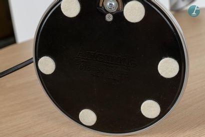 En provenance du siège d'un groupe industriel international ARTEMIDE Lampe articulée,...