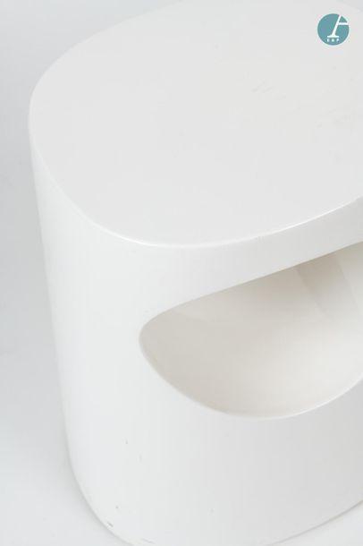 En provenance du siège d'un groupe industriel international TACCHINI, two small white...