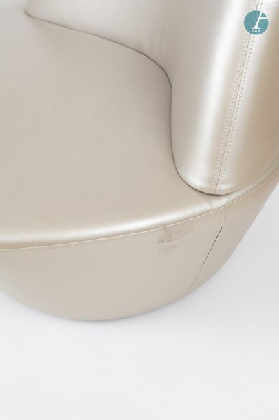 En provenance du siège d'un groupe industriel international Set of two Polar armchairs...