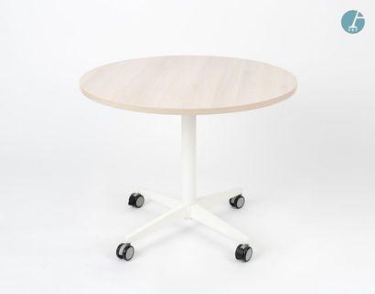 En provenance du siège d'un groupe industriel international SEDUS, Table circulaire...