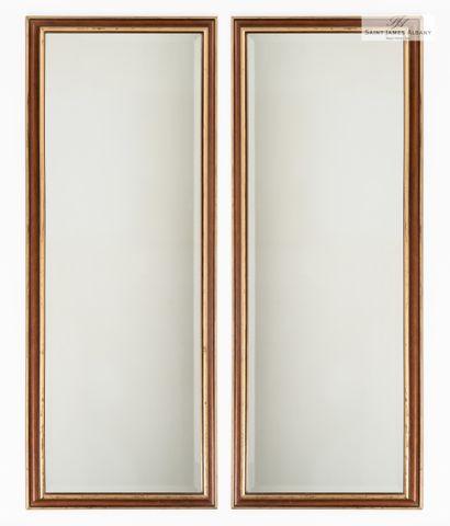 En provenance de l'Hôtel Saint James Albany Dix grands miroirs, encadrement en bois...