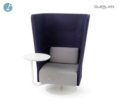 SITLAND, un fauteuil violet et gris à haut...