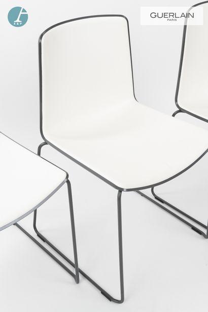 PEDRALI, modèle tweet, 6 chaises en plastique blanc, liseré gris anthracite, piètement...