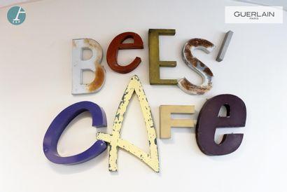Lettres métalliques vintage - BEE'S CAFE....