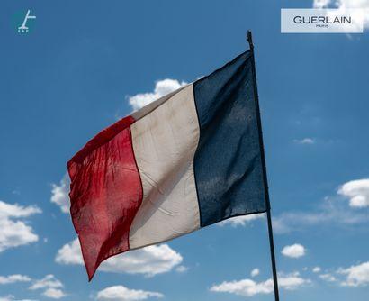 Deux drapeaux français de pavoisement  En...