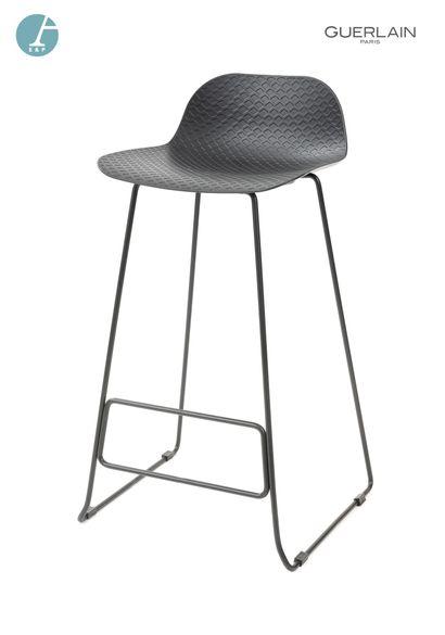 Chaise de bar, piètement métallique, assise...