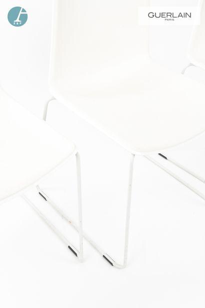 PEDRALI, modèle tweet, 6 chaises en plastique blanc, piètement métal blanc. H :...