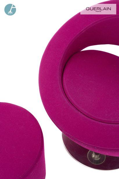SOFTLINE made in Denmark, un fauteuil bas pivotant rond, garniture en feutre violet,...