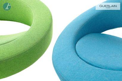 SOFTLINE made in Denmark, 2 fauteuils bas pivotants ronds, arniture en feutre bleu...