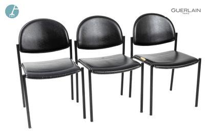 Lot de trois chaises à piètement métallique...