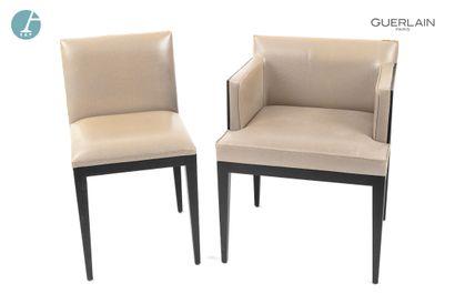 Un fauteuil et une chaise en bois noirci,...