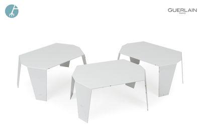 MADE Design, trois tables basses en métal...
