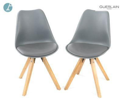 Paire de chaises assise coque thermoformée...