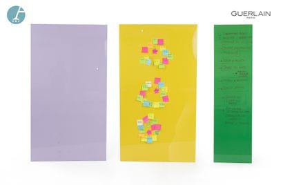 Lot de trois panneaux, revêtements brillants et aimantés, tailles et couleurs différentes....