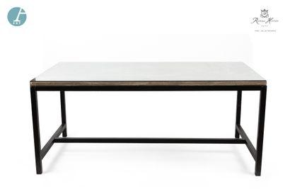 Table, piètement métal, plateau bois, dessus...