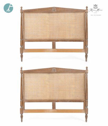Lot de quatre têtes de lit en bois naturel...