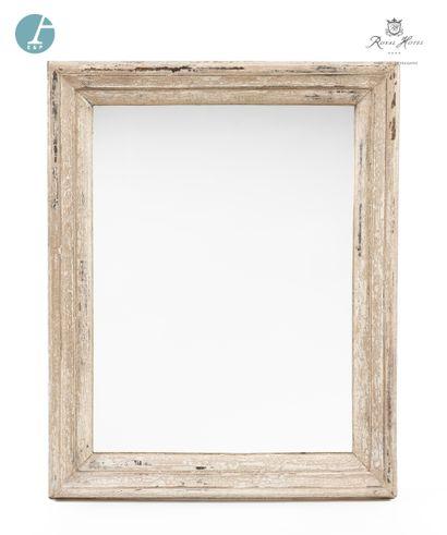 Paire de miroirs en bois patiné blanc.  Marque Blanc d'Ivoire  H : 100,5cm - L :...
