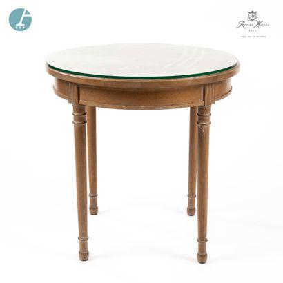 Petite table ronde en bois naturel mouluré,...