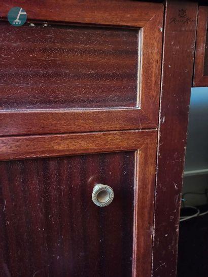 Un bureau ministre en bois teinté façon...