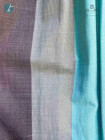 Paire de rideaux à rayures verticales grises...
