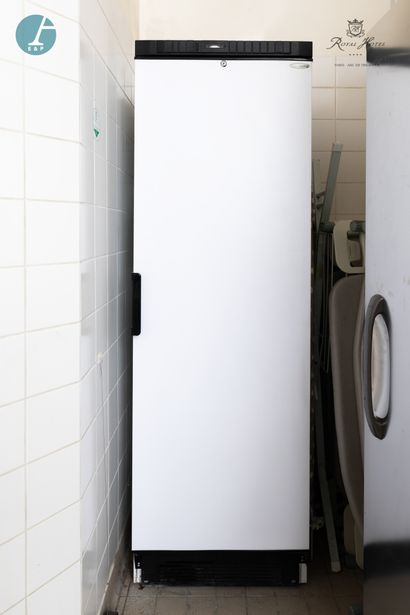Réfrigérateur TEFCOLD blanc. H : 184 cm...