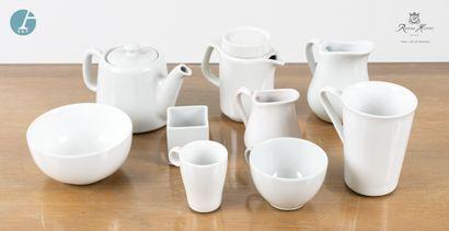 Partie de service thé et café en porcelaine...