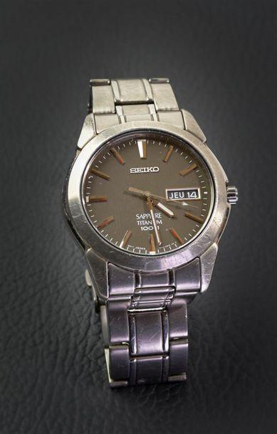SEIKO. MONTRE bracelet d'homme Saphire Titanium,...