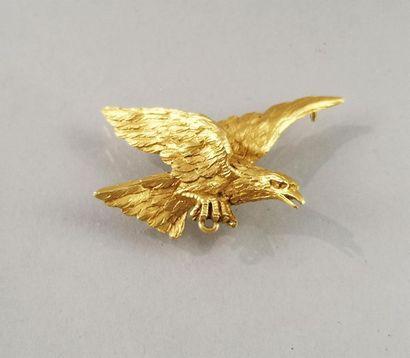 PENDENTIF en or en forme d'aigle volant....