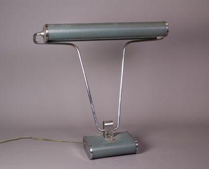 Eileen GRAY (1878-1976) Lampe à poser en...