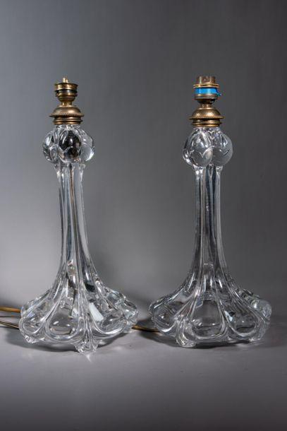BACCARAT, Paire de pieds de lampe en cristal...