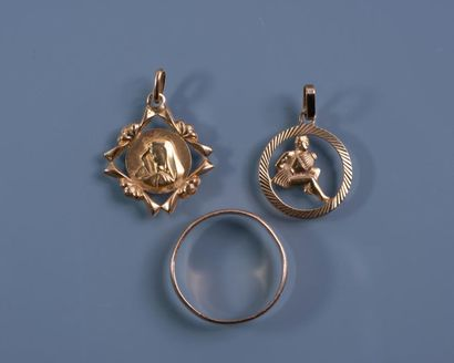 LOT OR 18 ct : Alliance. TDD: 60. Médaille...